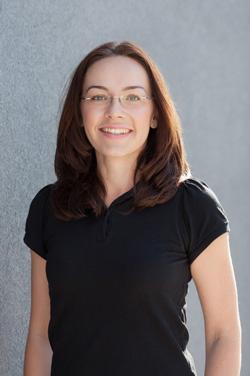 Dr. Julia Biffl